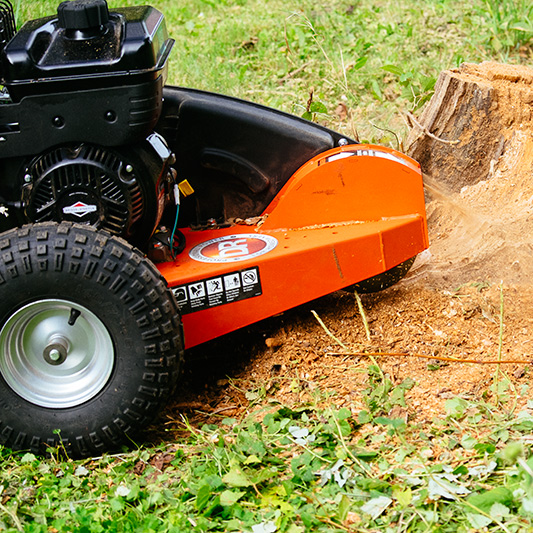 Vermietung Forstmaschinen Holzverarbeitung Baumstumpenfräse DR POWER STG145M_ZWO Baumaschinen Service GmbH