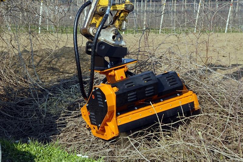 Vermietung Forstmaschinen Anbaugeräte Forstmulcher_BERTI_ZWO Baumaschinen Service GmbH