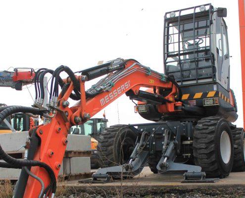 ZWO Baumaschinen Service GmbH Gebrauchtmaschinen Mobilbagger MESSERSI CF80 W4